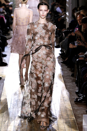 valentino-spring-2011-hc-floral-embroidered-dress-profile