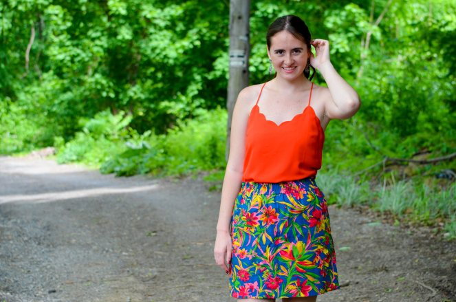 momentsofamermaid moments of a mermaid outfit of the day ootd fashion style preppy clothing what to wear how to wear lookbook june 2017 summer outfit classic j crew blogger blog outlet scallop scallloped tank top floral skirt sidewalk paperbag tropical statement earrings tassel earrings